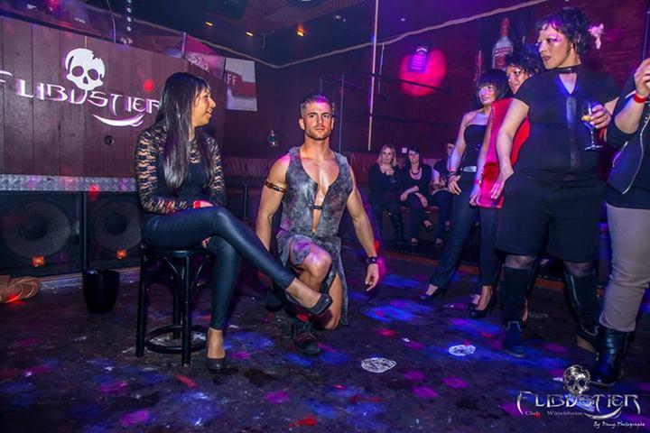 adriano show gladiateur discotheque flibustier mulhouse
